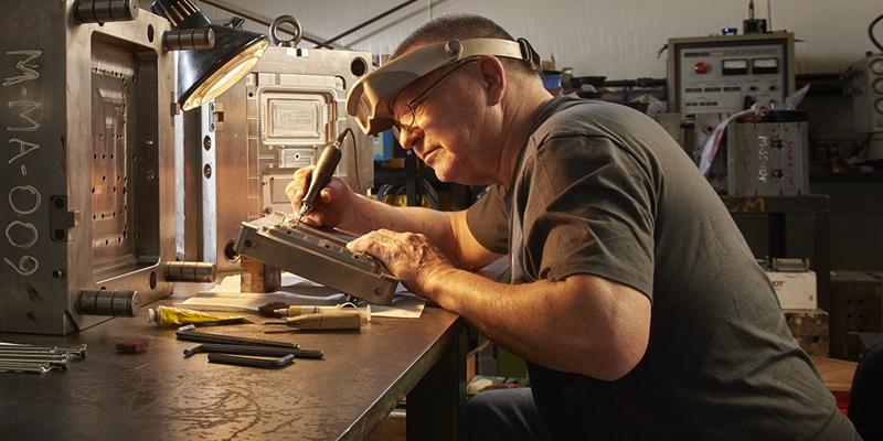 Craftman-working